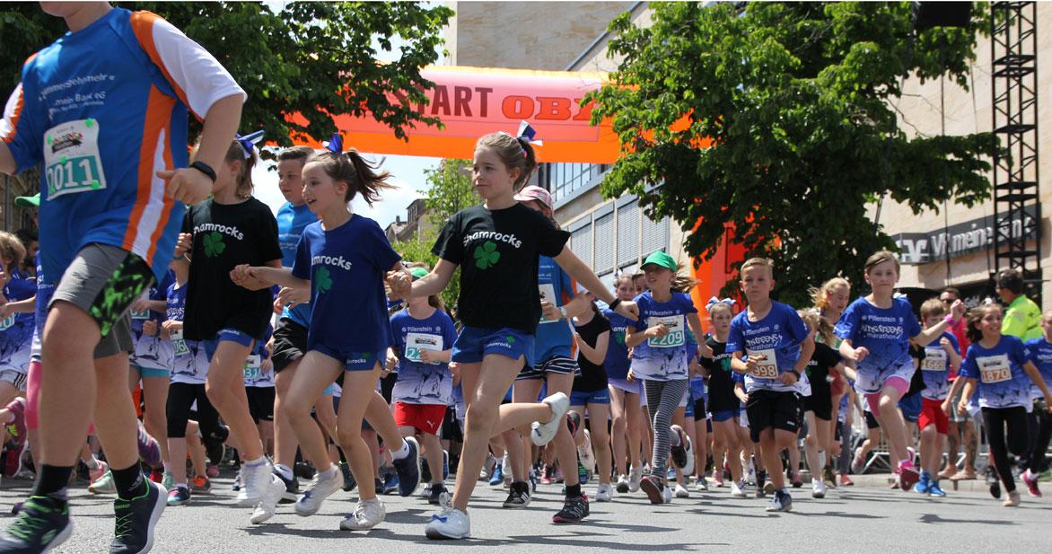 Auf die Plätze, fertig, los: Beim KIDS&TEENSmarathon können die Kinder zwischen verschiedenen Distanzen wählen. Foto: Ebersberger