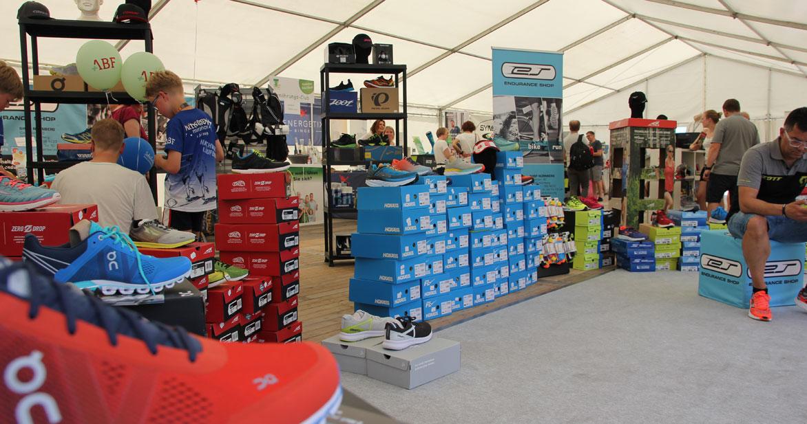 Alle Neuheiten rund um den Laufsport gibt es auf der Marathonmesse. Foto: Ebersberger